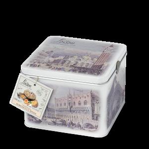 Veneziana gâteau brioché avec abricots et epices en boîte